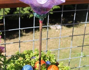Raspberry Purple Hand Blown Glass Flower Garden Art Sculpture Outdoor Decoration Garden Finial