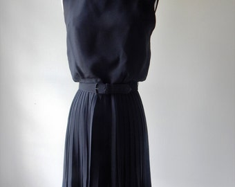vintage 1960s dress / little black dress / black evening dress