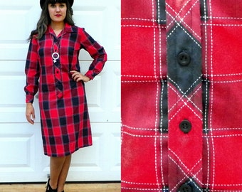 1960s Vintage Red and Black Plaid Shift Dress Button Up Shirt Dress with Long Sleeves Straight Cut Size Small