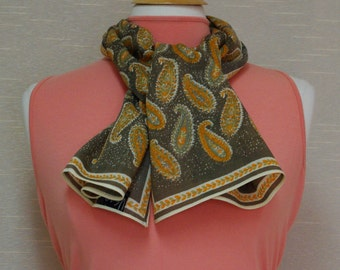 Vintage Vera scarf Vera wool scarf Vera paisley scarf Long wool scarf Taupe tan and golden orange Vera Neumann Paisley muffler Wool muffler