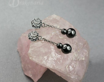 Little garden 02 - sculpted flowers with hematite