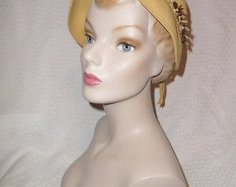 1950s Vintage Mustard or Gold Felt Hat with Sequins and Beads Size Medium
