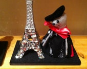 Mouse with Eiffel Tower