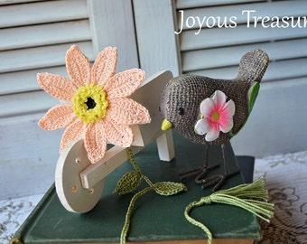 Handmade Bookmark Crochet Flower Bookmark Peach Daisy Flower Cotton Bookmark, Fiber Bookmark