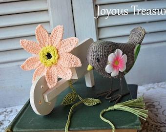 Handcrafted Bookmark Crochet Flower Bookmark Peach Daisy Flower Cotton Bookmark, floral bookmark Fiber Bookmark handmade bookmark