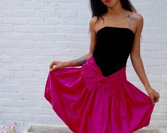 1980s Vintage Party Dress Strapless Black Velvet Hot Pink Bubble Skirt