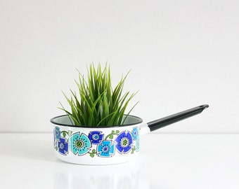 Vintage Enamel Mod Flower Cooking Pot in Turquoise and Cobalt / Mid Century Floral Sauce Pan