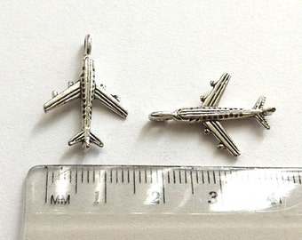 6 airplane charms antique silver tone -  3D