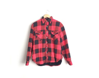 SALE // Size M // PILE-LINED Flannel // Buffalo Plaid Over Shirt - Red & Black - Sherpa Lining - Vintage '50s/'60s Men's.