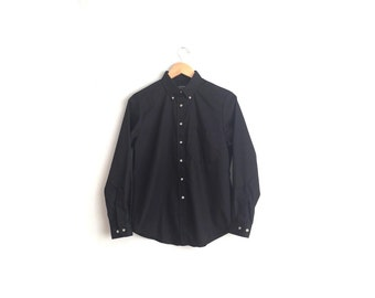 Size S/M // BLACK BUTTON-UP // Long Sleeve Dress Shirt - Minimalist - Vintage '80s.