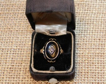 10k Yellow and Green Gold Onyx Ring with Diamond