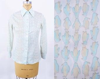 "1970s novelty blouse | aqua penguin novelty print top | vintage 70s blouse | W 32"""