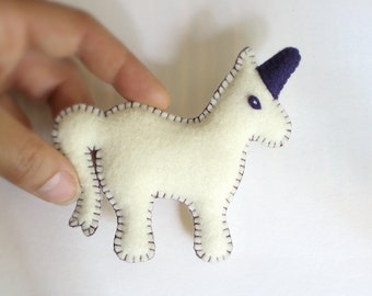 CUSTOM UNICORN Pin, Ornament, Keychain > Personalized Name Date: Toy Adornment, Nursery, New Baby [Licorne personnalise—Ornamento Unicornio]