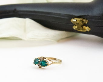 Antique Gold Filled Ring Victorian Ring Gold Green Emerald Rhinestone Ring Size 7