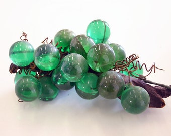 Vintage Mid Century Lucite Green Grape Bunch