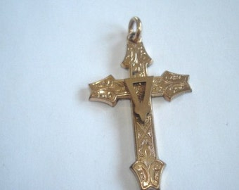Cross Rolled Gold  3 Dimentioal  Vintage Pendant