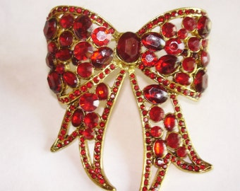 Red  Rhinestones Bow Gold Tone  Brooch .