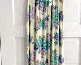 Vintage 1970s Silky Nightgown. Lilac and Aqua flowers.  Size Small/ Medium.