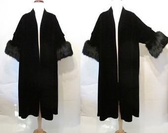 Glamorous 1950's Black Velvet Swing Cocktail Coat with Lush Fox Fur Trim Rockabilly Vlv Pinup Girl Starlet Vixen Size-Small-Medium