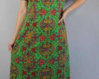 Vintage 60s 70s Women's Bright Green Psychedelic Barkcloth Mod Boho Bohemian Print Long Short Sleeve Maxi Summer Dress