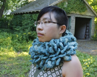 Cut Glass Dragon Scale Cowl - Small
