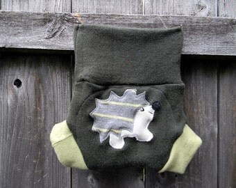 Upcycled Merino Wool Soaker Cover Diaper Cover With Added Doubler Olive & Avocado Green  With Hedgehog  Applique SMALL 3-6M Kidsgogreen