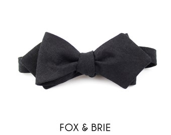 Black Linen Pointed Bow Tie