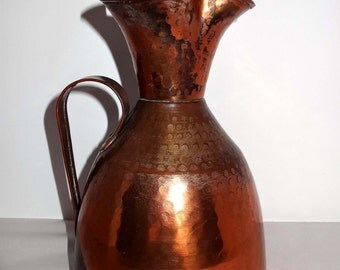 Hand Wrought Hammered Copper Ewer/Water Pitcher Home and Garden Kitchen and Dining Tableware Serveware Serving Pitchers and Carafes
