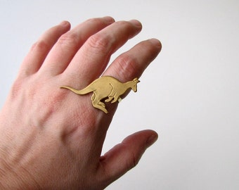brass kangaroo ring . adjustable ring
