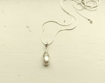 White Pearl Necklace. Pearl Drop Pendant. Wire Crochet Necklace. White Pearl Bridal Necklace. Wedding Jewellery. Made to Order.
