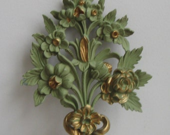 Vintage Bouquet of Flowers Wall Art Italian Floral Plaque in Sage Green & Gold, Made in Italy, Faux Carved Wood