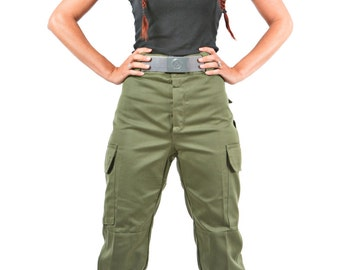 1980's AUTHENTIC Military Style VINTAGE Spanish Army Ladies-Women's Army Green Cargo Pants By Top Rank Vintage ( UNISSUED)
