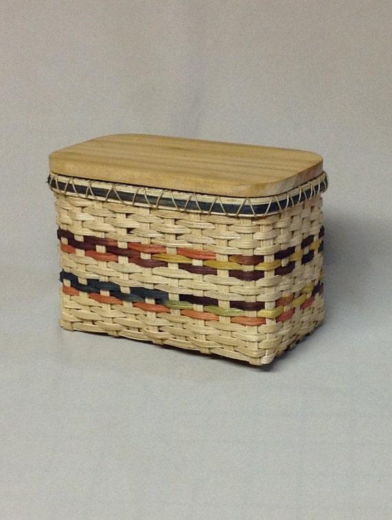 small hand woven rectangular basket with wooden lid tea bag. Black Bedroom Furniture Sets. Home Design Ideas