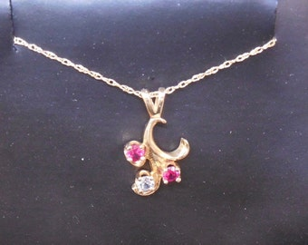 14k solid Gold Pendant and Chain w/ 3 Stones