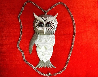 """Very large 5 1/4"""" vintage 60's silver white metal 3D big eyes weird owl articulated pendant necklace"""