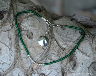 Green Glass Miyuki Beads Ankle Bracelet in Sterling Silver with Seashell Charm, Handmade Anklet
