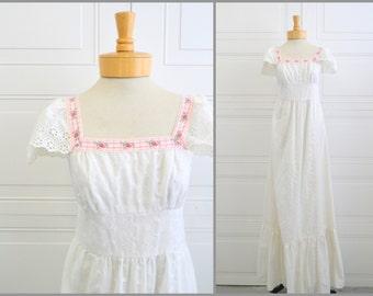 1970s Souffle White Prairie Dress