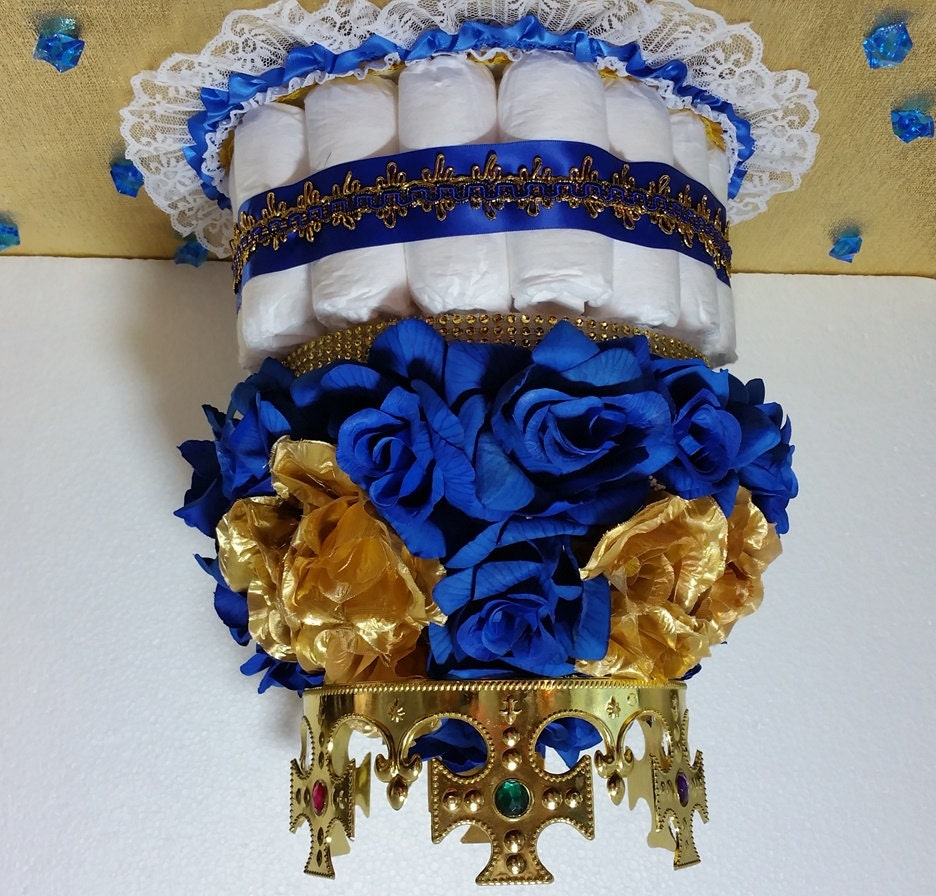 diaper cake centerpiece with crown for royal prince baby. Black Bedroom Furniture Sets. Home Design Ideas