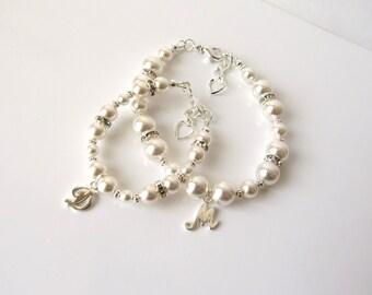 Mother Daughter Bracelet Set, Mommy and Me Jewelry, Mother's Pearl Bracelet, Personalized Bracelet, New Baby Gift, Mommy Baby Bracelet Set
