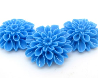 Bloomin' Baubles : 10 Cornflower Blue Resin Flower Cabochons | Lucite Flowers | Dahlia Chrysanthemum Rose Peony ... 16x6mm