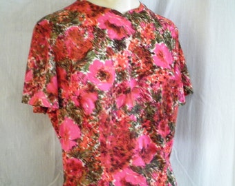 1950's Blouse Hot Pink Poppies Floral Vintage Back Button Blouse