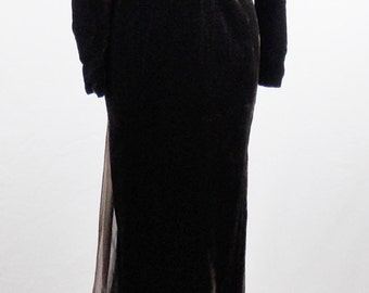 Vintage GIANFRANCO FERRE STATEMENT Gown With Long Train Haute Couture Form Fitting Size 4/6