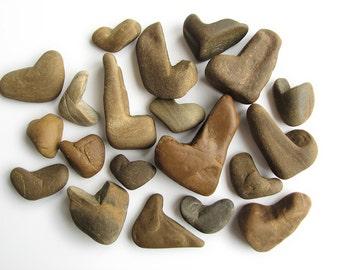 20 Heart Shaped Rocks - Natural River Beach Stones - Valentes Day Decor