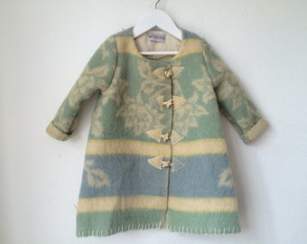 Handmade jacket, girlsjacket, blanket coat dekenjas made of a vintage blanket, green, blue and offwhite, size 110