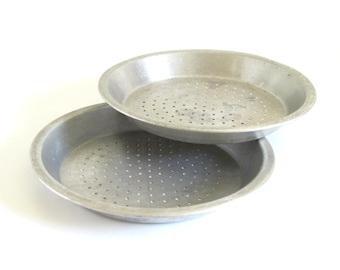 Perforated Pie Pans Wearever 915 Vintage Aluminum Bakeware with Vented Air Holes