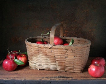 Old farm basket, vintage/antique splint wood basket