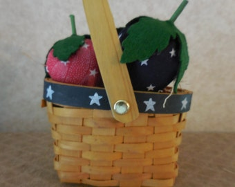 Primitive Patriotic Strawberries Kitchen Home & Seasonal Decor in Basket