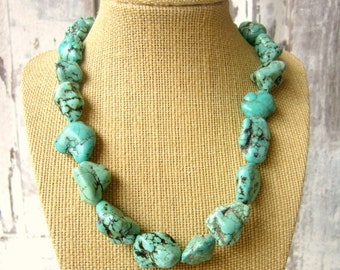 Blue Green Turquoise Necklace.  Green Turquoise Howlite Statement Necklace. Turquoise Jewelry. Bridesmaid Jewelry. Green Chunky Necklace