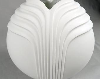 Rosemunde Nairac for Rosenthal Studio-Linie, ribbed porcelain heart vase