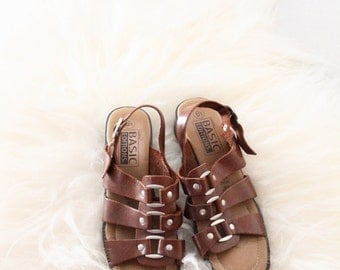 Vintage Chocolate Leather Buckle Sandals Sz 6.5